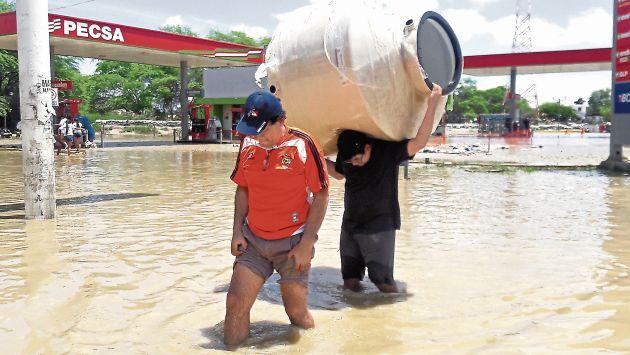 Piura: Unas nueve mil personas damnificadas por El Niño costero siguen viviendo en carpas (USI)