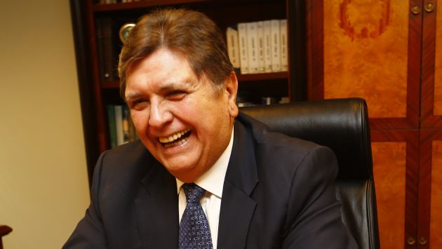 Usuarios protestan contra Alan García, a quien acusan de haber recibido coimas de Odebrecht. (USI)