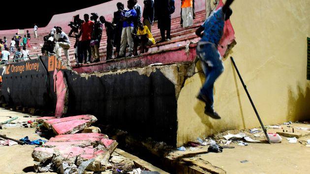 Al menos 8 muertos y 50 heridos tras estampida en estadio en Senegal. (AFP)