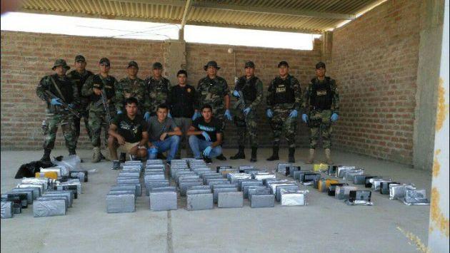 El pasado martes también se halló 76 paquetes de droga tipo ladrillo en Paita. (PNP)