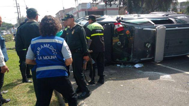 Patrullero terminó volcado tras accidente en La Molina. (Municipalidad de La Molina)