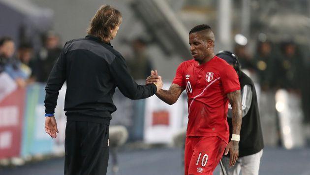 El pasado domingo Jefferson Farfán recibió la visita de Nolberto Solano y Néstor Bonillo, integrantes del cuerpo técnico que lidera Ricardo Gareca en la selección peruana de fútbol. (USI)