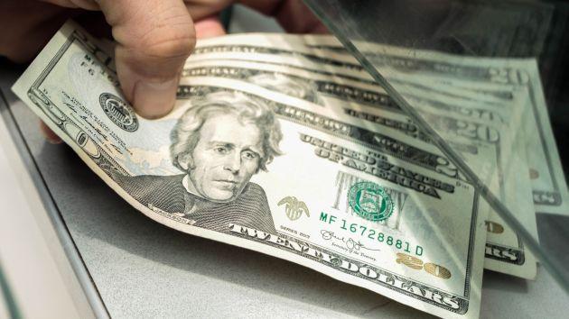 El BCR crea incentivos de desdolarización para evitar cambios bruscos en el tipo de cambio. (USI)