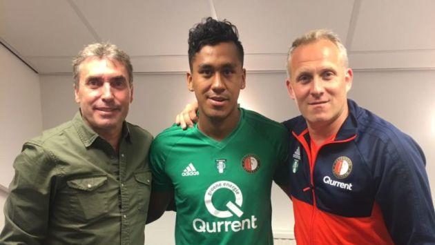 Renato Tapia jugó todo el segundo tiempo en la caída del Feyenoord por 1-0 ante el SC Freiburg de Alemania. (FPF)