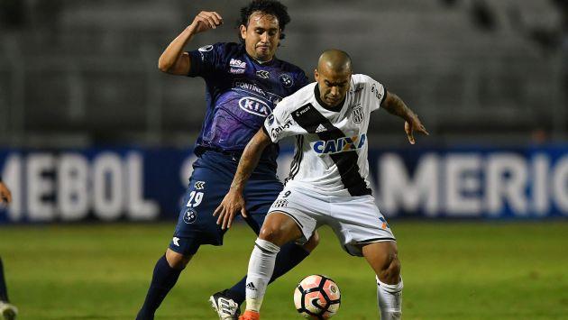 Sol de América y Ponte Preta se juegan su pase a octavos en la Copa Sudamericana. (AFP)