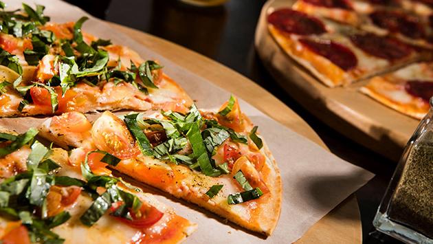 Fiestas Patrias: Celebra estas fechas con algo diferente, pizzas criollas (Facebook/@laforchettaperu)