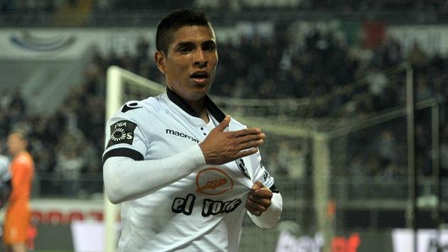 El peruano recientemente fue comprado por el club portugués. (Facebook: Vitória Sport Clube)