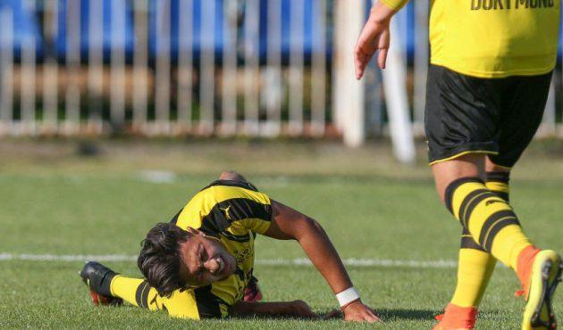 Borussia Dortmund pagará los estudios de su jugador tras terrible lesión