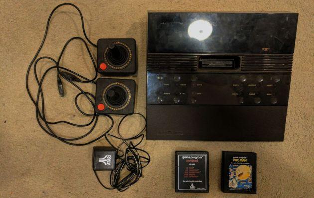 Compró una vieja consola Atari de segunda y sin querer obtuvo una pequeña fortuna al revenderla (Ebay)