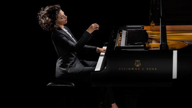 Khatia Buniatishvili se presentará en el auditorio Santa Úrsula, a las 8 p.m. (Difusión).