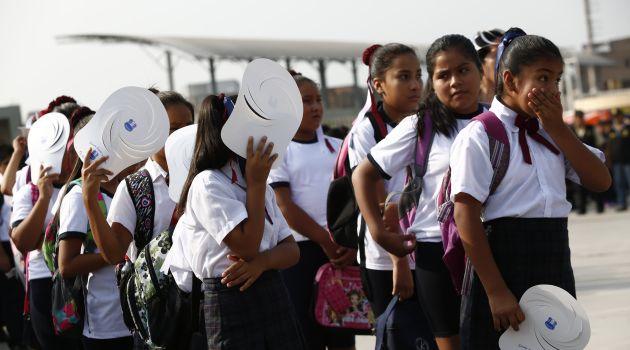 Este lunes los estudiantes del Perú volverían al colegio (Perú21).