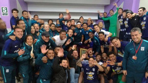 Protagonistas del destacado resultado festejaron la consagración blanquiazul. (Facebook @ClubAlianzaLima)