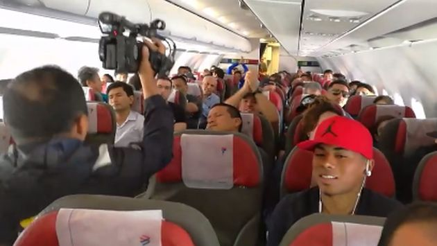 El plantel 'íntimo' regresó a Lima luego de su consagración en Cutervo.
