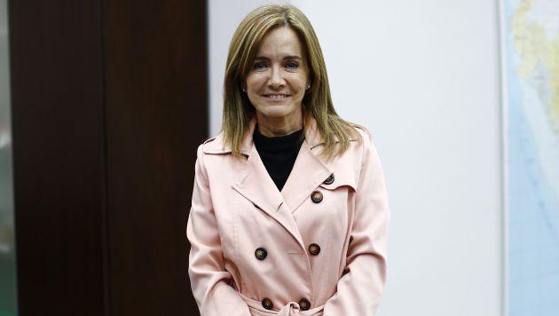 Marilú Martens: Piden renuncia de la ministra por la huelga de maestros. (Perú21)