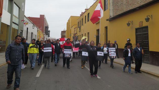 Siguen las protestas. Profesores de Trujillo, en La Libertad, protestaron nuevamente en las calles de la ciudad. (Alan Benites)