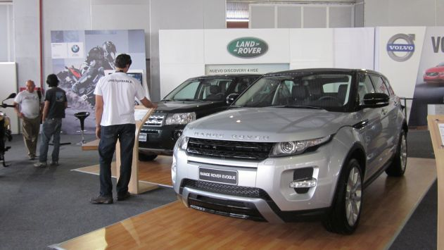 En la feria participan hasta 17 marcas automotrices. ()