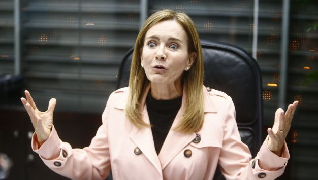 Ministra Martens tendría que responder ante el Pleno del Congreso. (Luis Centurión/Perú21)
