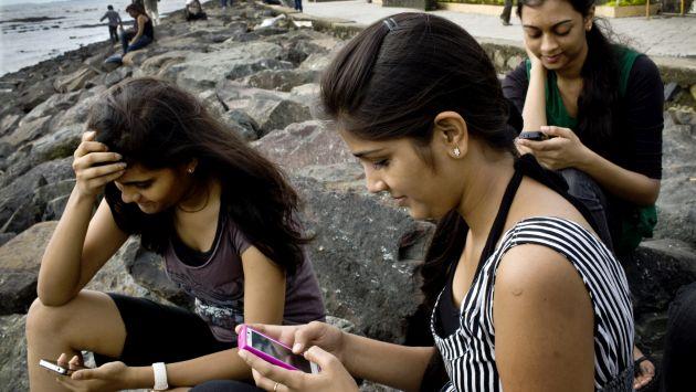 Más demanda por smartphones. El crecimiento de la telefonía móvil en el Perú ha aumentado el acceso a Internet por este medio. (USI)