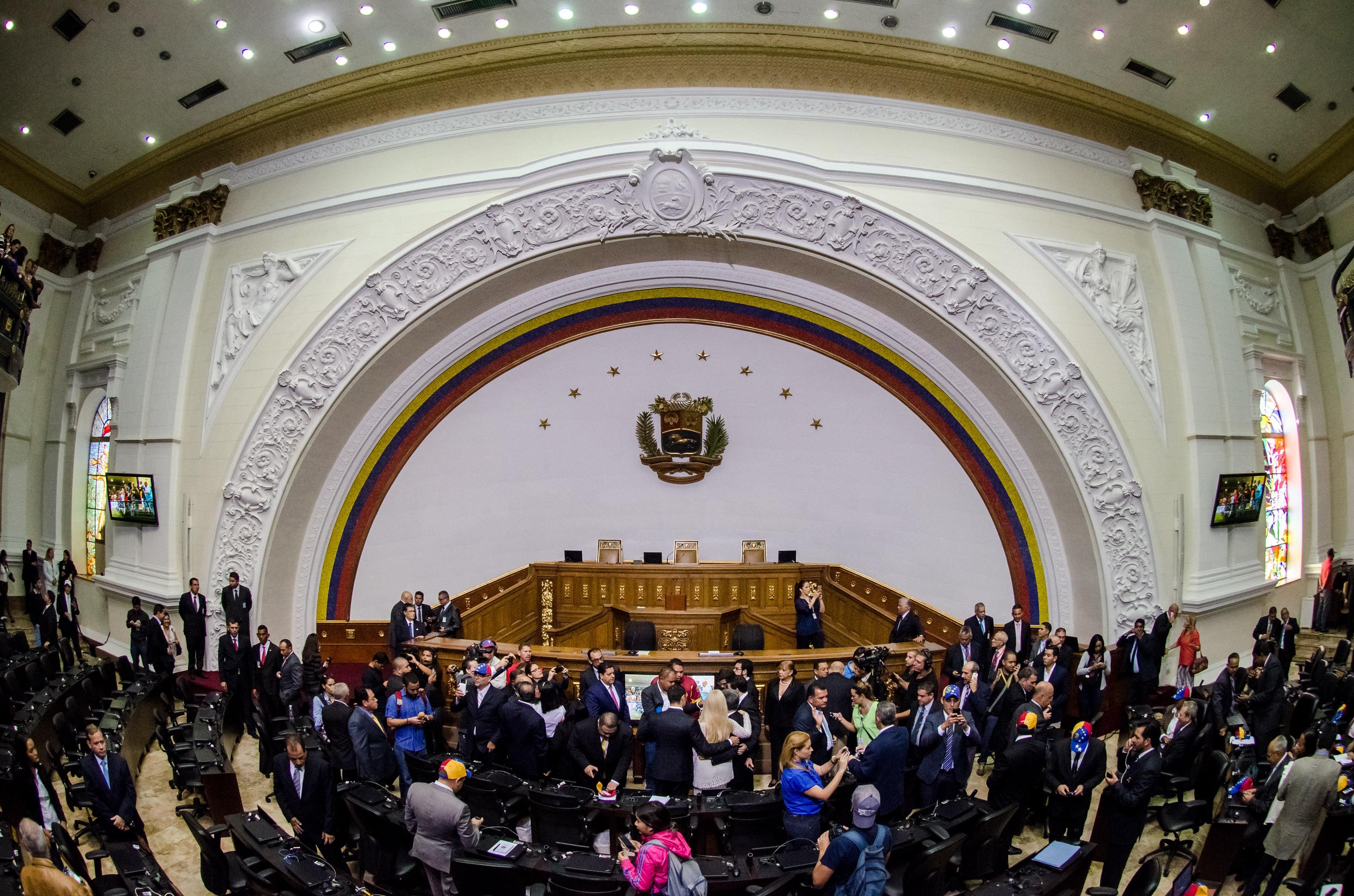 Resultado de imagen para parlamento venezuela