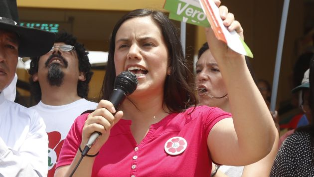 Verónika Mendoza arremete contra Alfredo Barnechea. (Mario Zapata)