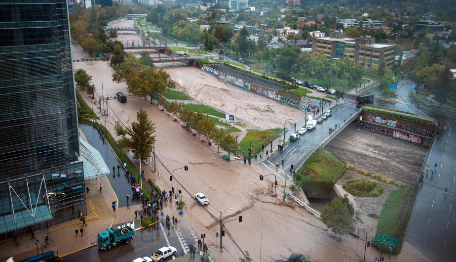 Chile: Inundaciones en Santiago mantienen a 3 millones de personas sin agua potable [Fotos y videos]